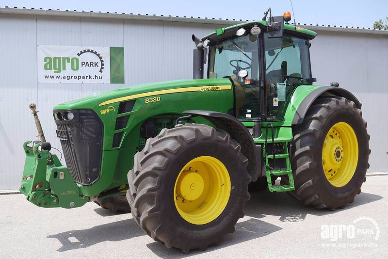 John Deere 8330 ILS with 7355 hours, tractor with Active seat