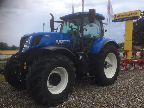 New Holland T7.235AC