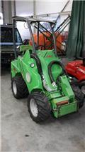 Сельскохозяйственный погрузчик Avant 420, 2012 г., 410 ч.