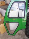 John Deere 1025R curtis cab door, Otras máquinas de paisajismo y limpieza urbana