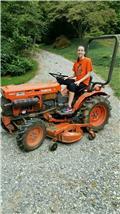 Kubota B7100, Tractors